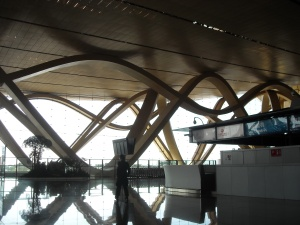 Sitting in the Kunming airport. This design makes me think of a giant's spaghetti....