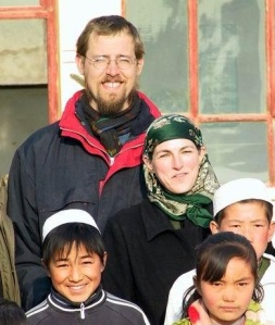 David with his wife and students.  Credit: chinatoday.com